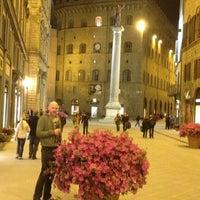 Foto scattata a Via Tornabuoni da s-cape.travel il 3/31/2013