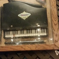 Photo taken at Cracker Barrel Old Country Store by Emmanuel B. on 11/21/2014