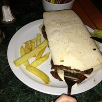 Foto tomada en Restaurant ARS por Pia O. el 7/5/2013