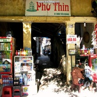 Photo taken at Phở Thìn Bờ Hồ by Tung S. on 4/30/2014