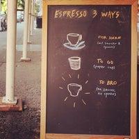 10/5/2012にKeong S.がThird Rail Coffeeで撮った写真