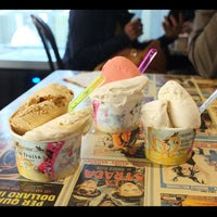 Photo taken at Cow & The Moon Artisan Gelato by Keong S. on 12/28/2012