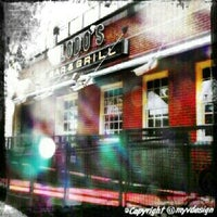 Foto tomada en Lodo's Bar And Grill por Ryan Mayor V. el 10/16/2012