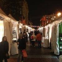 Foto tomada en Downtown Holiday Market por DC Social Sports C. el 12/20/2012