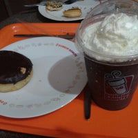 Photo taken at Dunkin' Donuts by Ronni B. on 4/12/2014