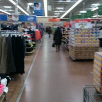 Foto tirada no(a) Walmart Supercenter por Real 0. em 1/27/2013