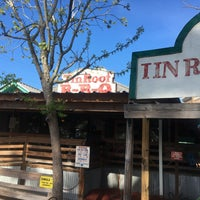 Photo taken at Tin Roof BBQ by Angel M. on 4/6/2017