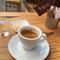 9/6/2015 tarihinde Çağla T.ziyaretçi tarafından Tribu Caffe Artigiano'de çekilen fotoğraf