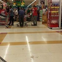 Photo taken at Extra Hipermercado by Glauber S. on 9/14/2013