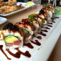 Photo prise au The Cowfish Sushi Burger Bar par Lucy M. le7/6/2013