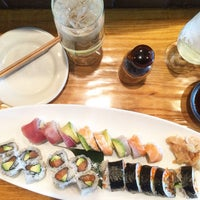 Das Foto wurde bei Yutaka Sushi Bistro von Amanda K. am 5/20/2015 aufgenommen