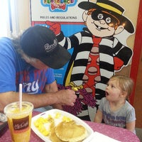 Photo taken at McDonald's by Jeff Z. on 8/9/2013