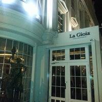 5/10/2013 tarihinde Gokhan O.ziyaretçi tarafından La Gioia Cafe Brasserie'de çekilen fotoğraf
