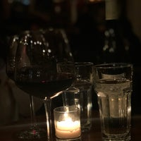 Foto scattata a Vin Sur Vingt da JooYun L. il 2/6/2018