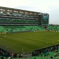 Photo taken at Territorio Santos Modelo Estadio by Ricardo M. on 10/17/2012