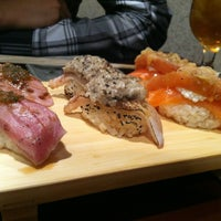 8/9/2013 tarihinde McKellen R.ziyaretçi tarafından Sushi of Gari'de çekilen fotoğraf
