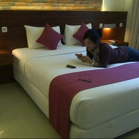 Photo taken at Lovender Guest House & Resto by Husnun Nadidah W. on 4/26/2013