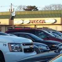 Photo taken at Arlington Pizza by Dom A. on 2/28/2014