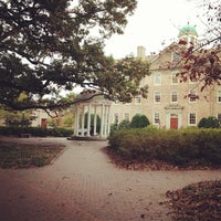 Foto diambil di University of North Carolina at Chapel Hill oleh Laura C. pada 10/30/2012