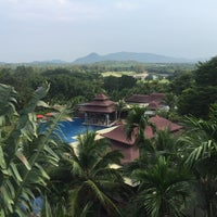 Photo taken at Springfield Village Golf And Spa Cha-Am by Mananya S. on 10/21/2015