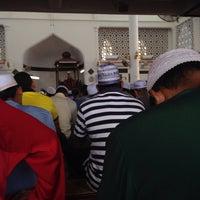 Photo taken at Masjid Dr Raja Nazrin Shah by Mizan M. on 7/1/2016