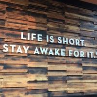 Foto scattata a Caribou Coffee da David T. il 5/12/2018