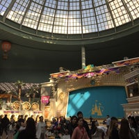 Photo taken at Lotte World Garden Stage by Jirapat N. on 10/30/2016