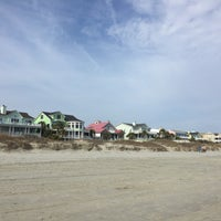 Photo taken at Isle of Palms Beach by Ilse v. on 2/23/2016