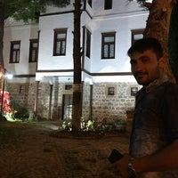 Photo taken at Avni Çay Bahçesi & Pastanesi by Yavuz on 6/9/2018