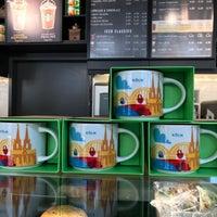 Das Foto wurde bei Starbucks von Zia C. am 9/4/2017 aufgenommen