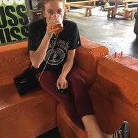Foto scattata a Lagunitas Seattle Taproom & Beer Sanctuary da Alexa R. il 5/6/2018