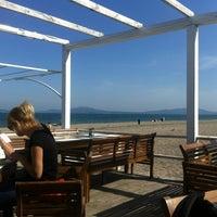 Foto scattata a Капаните (The small seafood restaurants by the beach) da Desislav P. il 5/1/2013