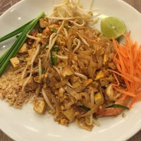 Photo taken at Noodle'n Rice Company by Edward A. on 10/8/2015