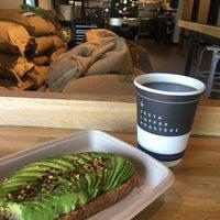 Foto tirada no(a) Vesta Coffee Roasters por Nicole em 6/14/2018