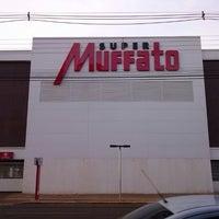 Photo taken at Super Muffato by Juan F. on 2/25/2013