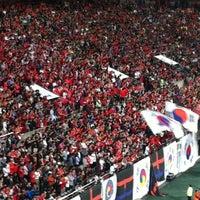 Photo taken at Seoul Worldcup Stadium by Wonik P. on 10/12/2013