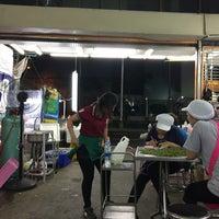 Photo taken at Je Liep Seafood by Shigeharu S. on 11/15/2017