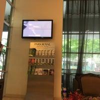 Photo taken at PARKROYAL Service Suites by Shigeharu S. on 8/27/2017