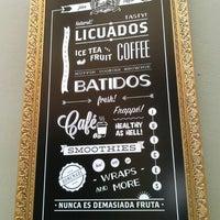 6/25/2013 tarihinde Sebzoneziyaretçi tarafından El Último Mono Juice & Coffee'de çekilen fotoğraf