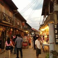 Снимок сделан в Chiang Khan Walking Street пользователем Konglover U. 1/2/2013