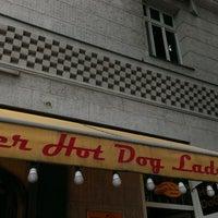 Das Foto wurde bei Der Hot Dog Laden von Thilo W. am 6/18/2013 aufgenommen