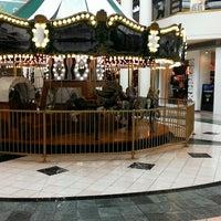 4/23/2013にBen S.がWoodland Hills Mallで撮った写真