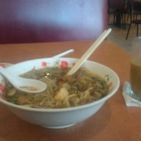 Photo taken at Pho Thaison by Crystal T. on 4/29/2013