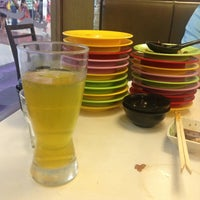 Photo taken at Sakae Sushi by Michelle Ann E. on 7/14/2013