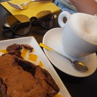 Foto scattata a MEG Cafe da Hessa T. il 6/21/2018