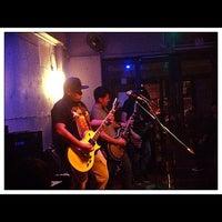 9/23/2012 tarihinde Kunie G.ziyaretçi tarafından Blackbird'de çekilen fotoğraf