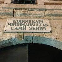 Das Foto wurde bei Edirnekapı Mihrimah-Sultan-Moschee von Osman Sedat E. am 4/7/2013 aufgenommen