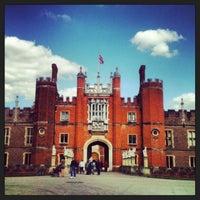 6/2/2013 tarihinde Cyll G.ziyaretçi tarafından Hampton Court Palace'de çekilen fotoğraf