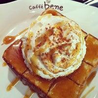 Photo taken at Caffé bene by Mei on 12/19/2012