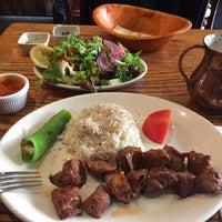 Foto tirada no(a) Makara Charcoal Grill & Meze por Sinan T. em 1/21/2017